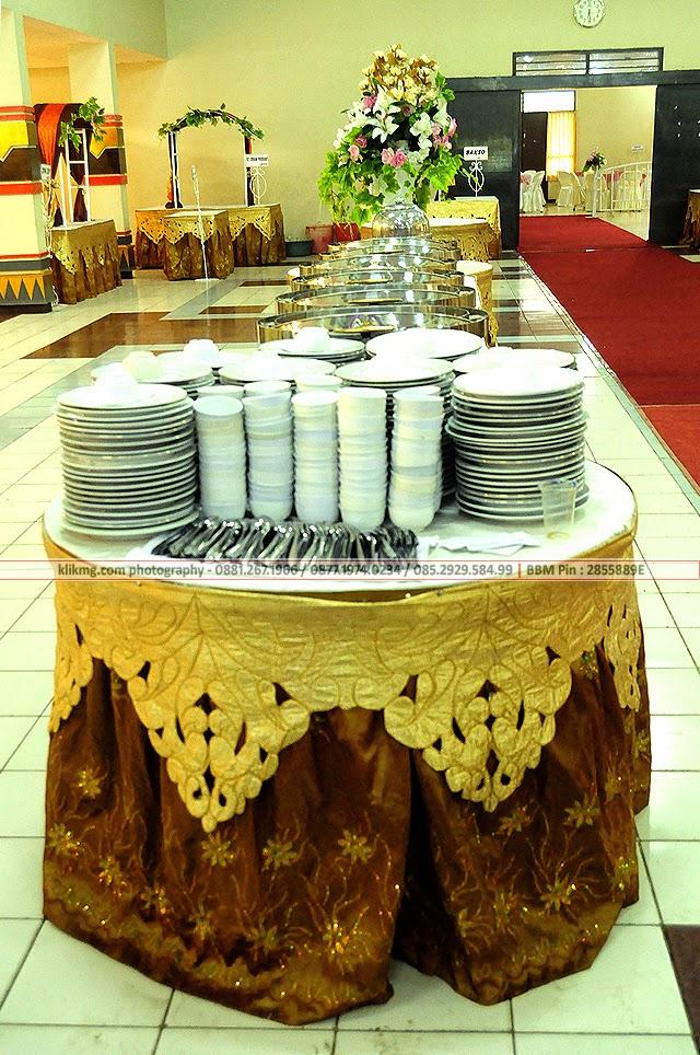 Dekorasi Pelaminan Minimalis Modern Putih - Gedung Soemardjito Unsoed - 11 Mei 2014 Photo persembahan : BLOG.KLIKMG.COM Photographer Indonesia