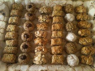 حلويات عيد الفطر 2013 : بلاطو حلويات اللوز بأشكال مختلفة وبعجين واحد والشرح بالصور