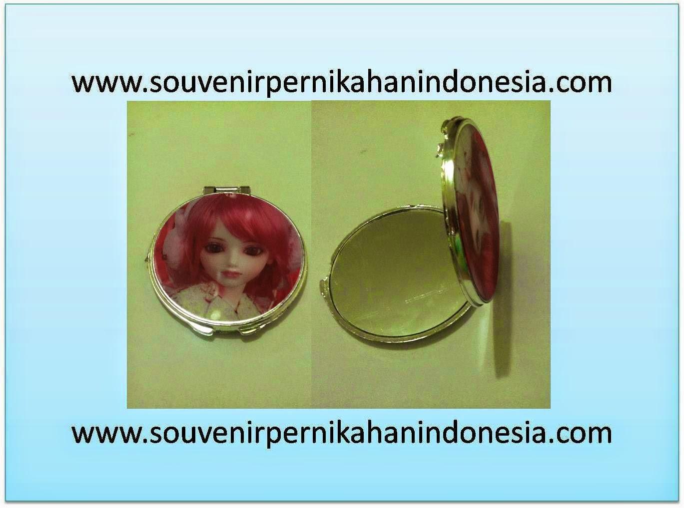 Souvenir Kaca Pernikahan 0813 3363 8798 Cermin Sovenir Rias Di Hadi Jsm Terlengkap Dan Terpercaya Seluruh Indonesia Nusantara