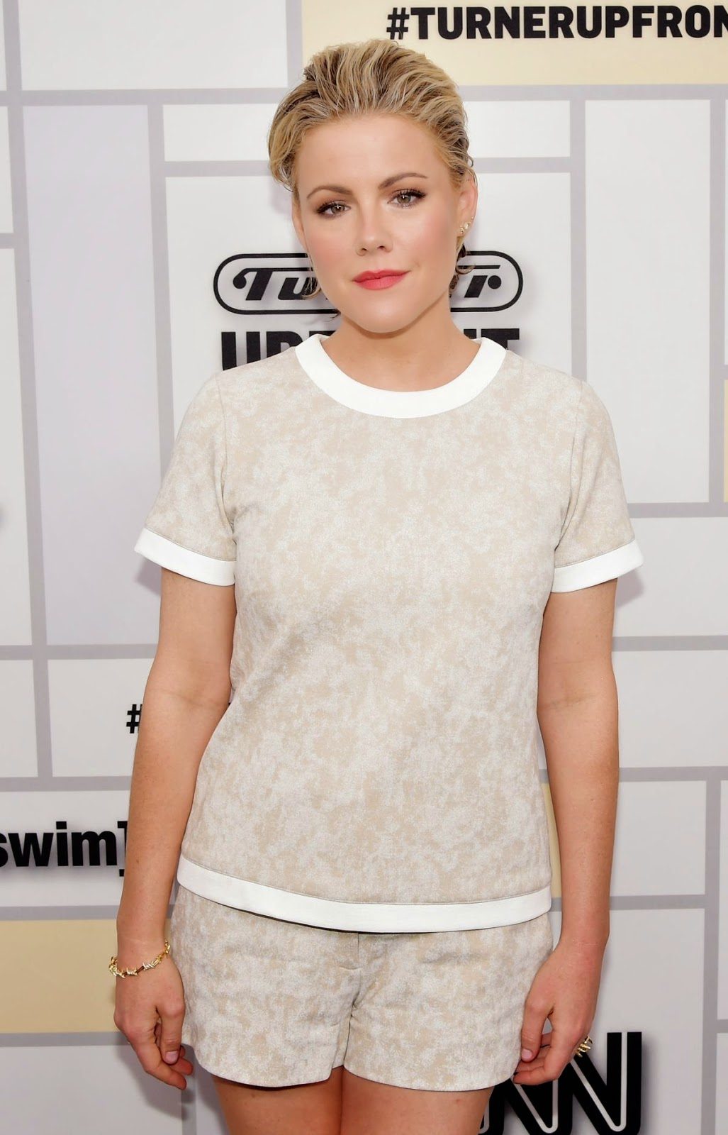 Actress @ Kathleen Robertson At Tturner Upfront 2015 In New York