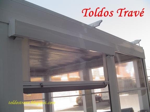 puerta transparente de pvc a cerramiento de terraza posee muelles de vaivn adems es una puerta ms ligera y tambin ms econmica