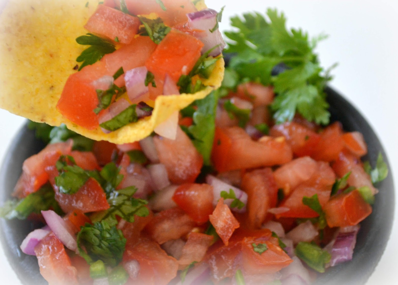 ... Pico de Gallo Salsa | MomOnTimeout.com #copycat #salsa #recipe