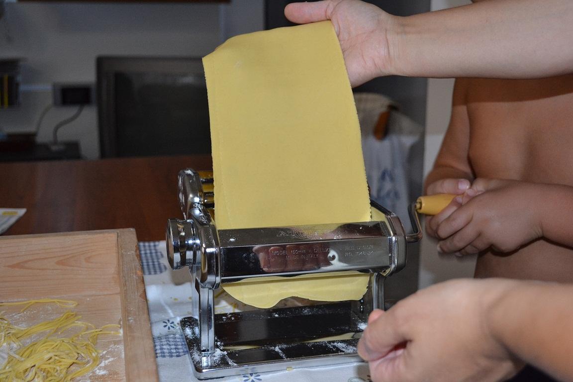 Carpe diem cucinare con i bambini la pasta fresca - Macchina per cucinare ...