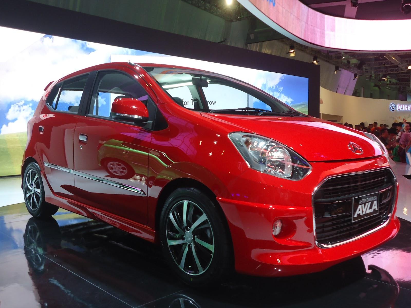 Gambar Mobil Daihatsu Ayla Terbaru