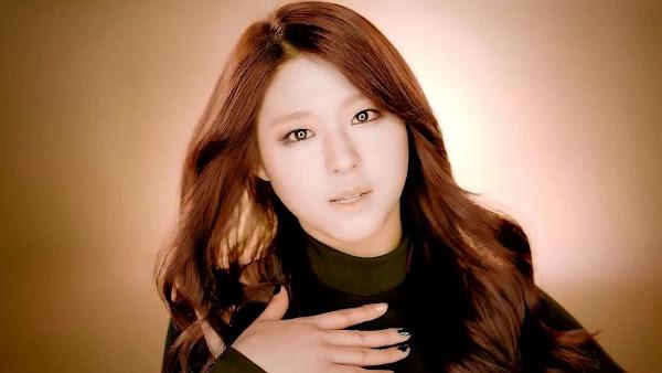 aoa Seolhyun Miniskirt