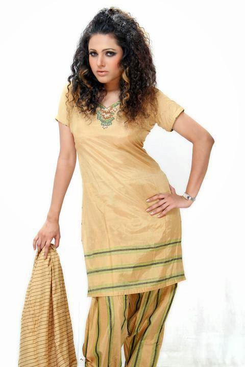 Bangladeshi hot model Emi