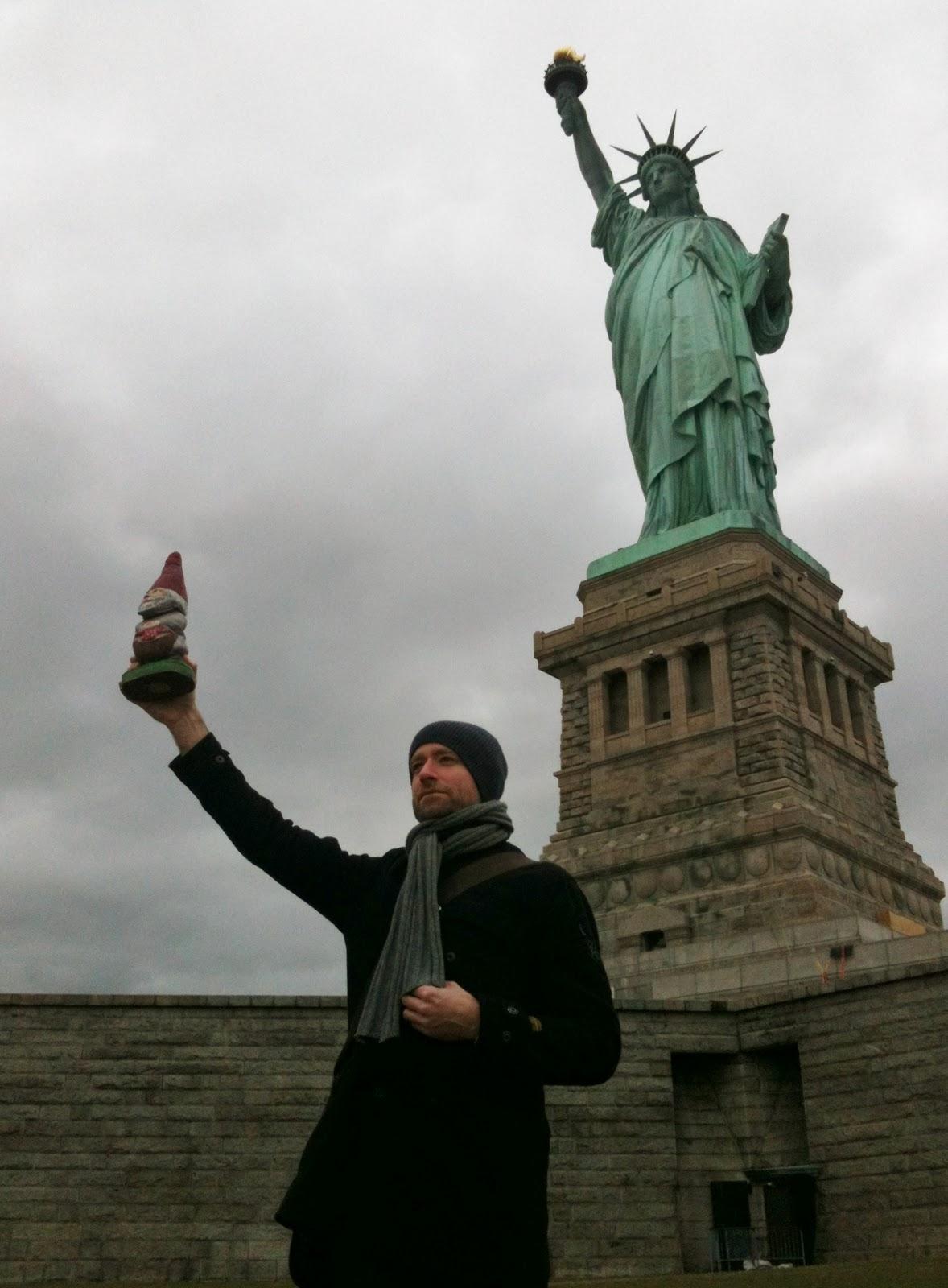 http://3.bp.blogspot.com/-5ibEPCio2KM/T2ZkGb9T8eI/AAAAAAAAIH0/J3ZDAqvNc-s/s1600/Montmorency+Montgomeryblog+liberty+gnome.JPG