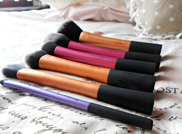 Real Technique's Make-up Brushes Collection   Review