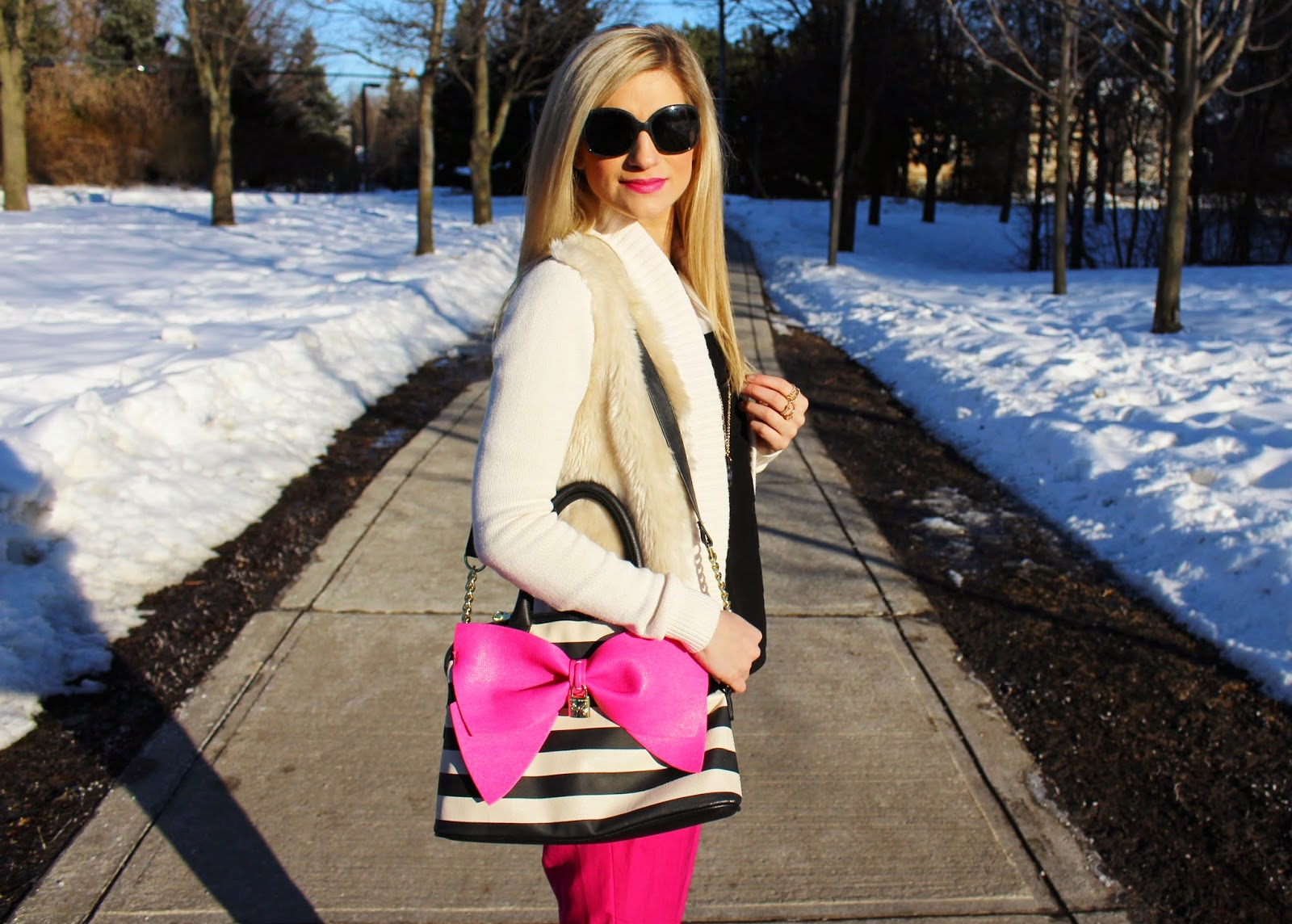 bijuleni,hot pink Zara pants,Betsey Johnson, big bow, Calvin Klein, fur, Chanel, streetstyle