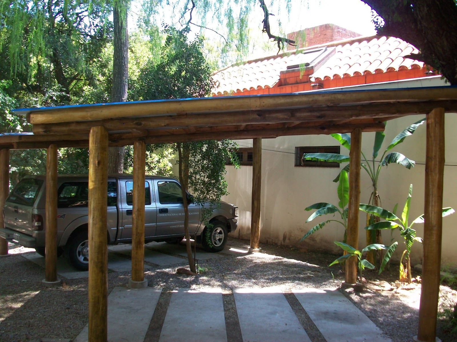 Carpinter a cipresso techos - Pergolas de troncos ...