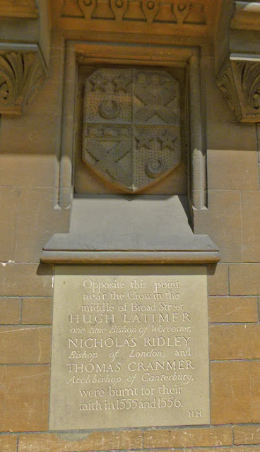 Memorial, Hugh Latimer, Nicholas Ridley, Thomas Cranmer, Balliol College, Broad Street, Oxford