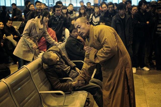 20 Foto Penuh Emosi Yang Membuat Terharu Doa Terakhir Sang Biksu