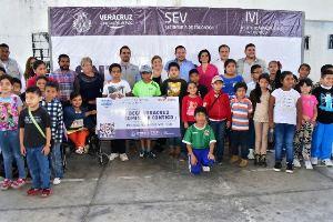 "Programa ""Veracruz comienza contigo"" beneficia a más de mil estudiantes cordobeses"