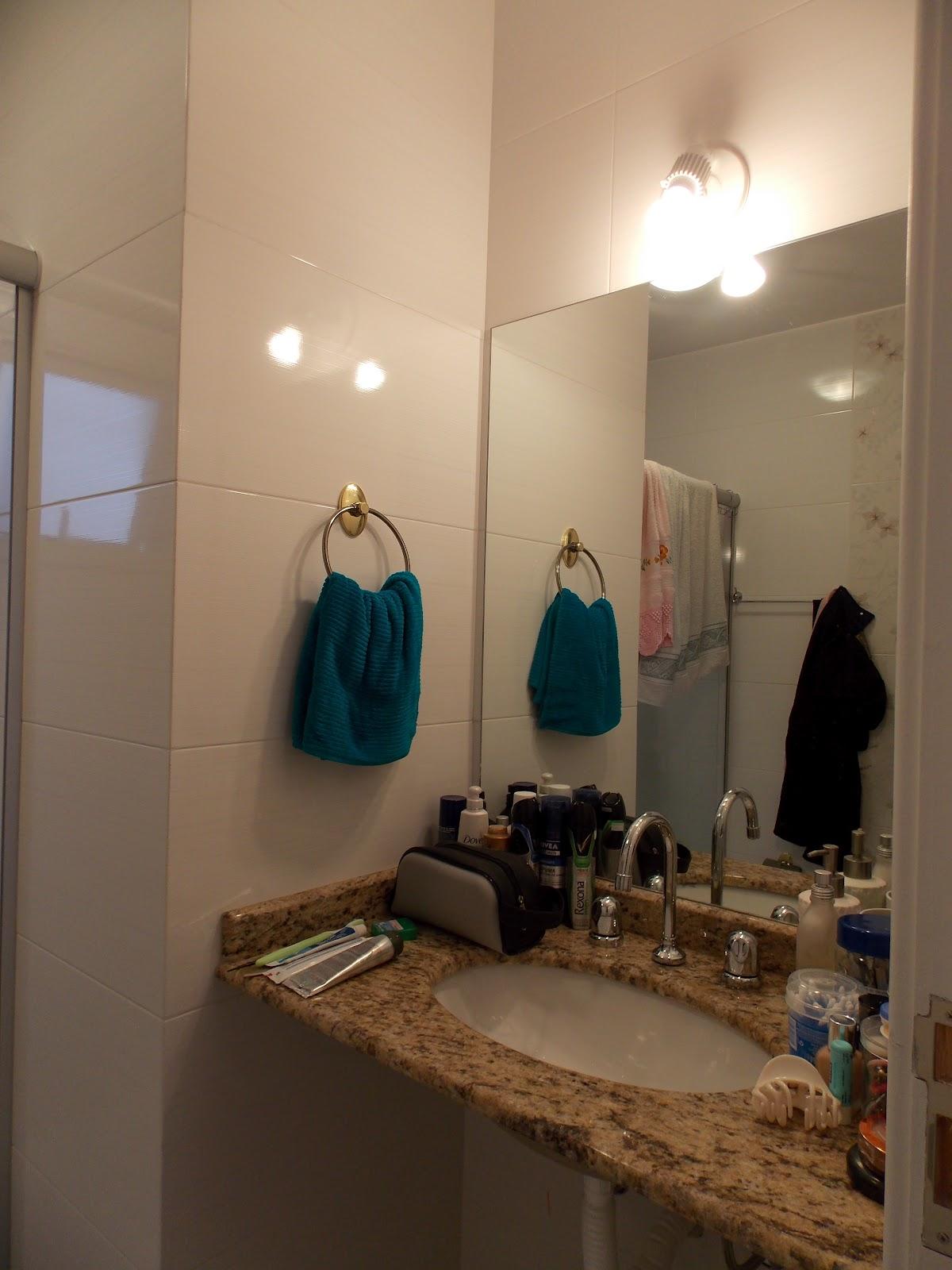 de casamento casa e maternidade: Mudei: Banheiros (em andamento #9B6730 1200x1600 Acessorios Banheiro Tok Stok