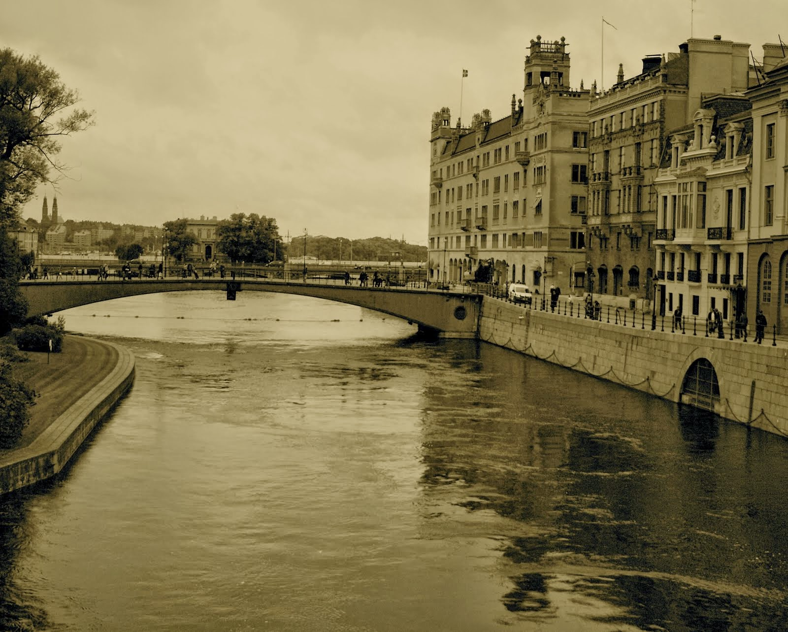 City of Bridges, City of Canals