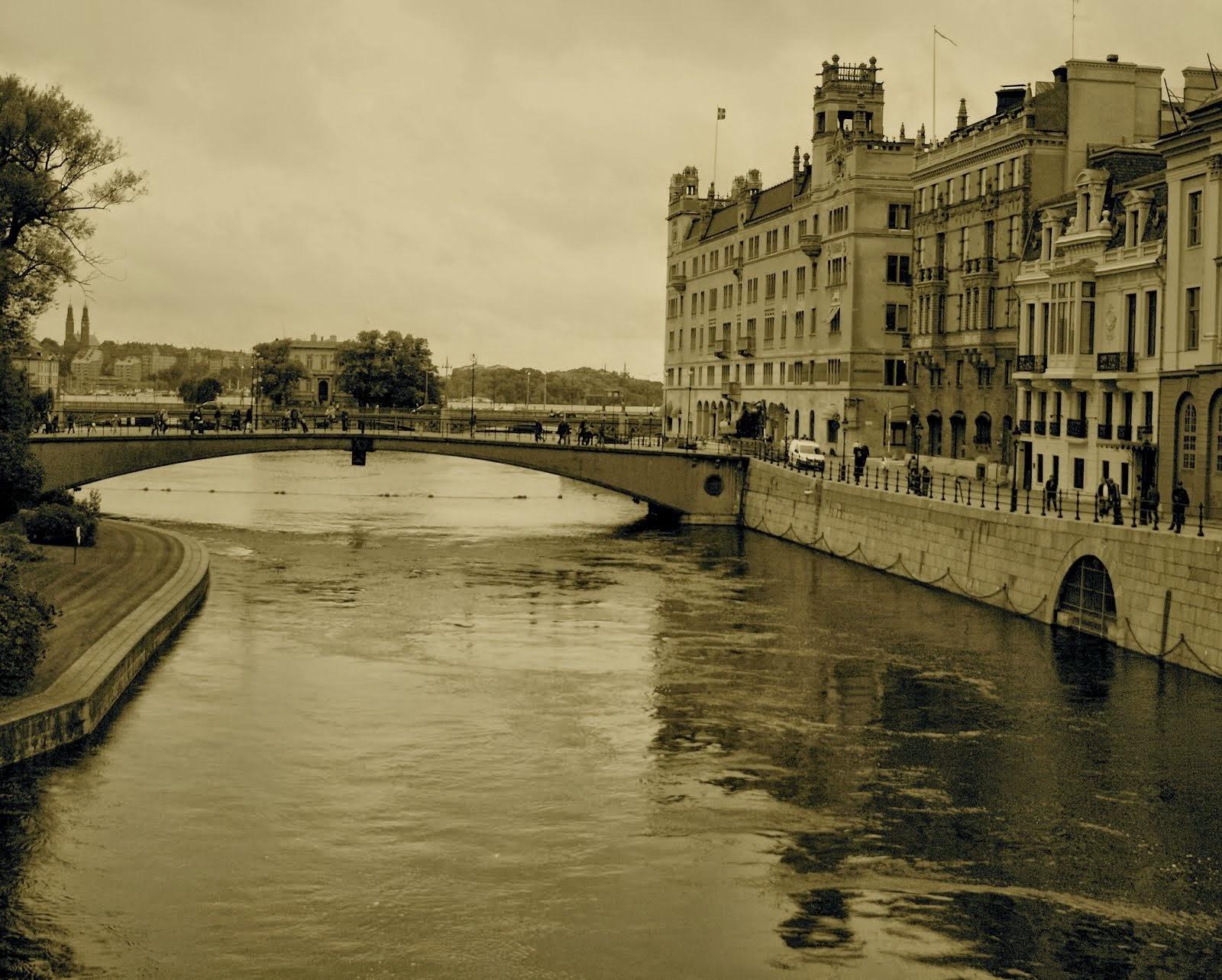 City of Bridges, City of Canals