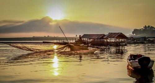 """Việt Nam lọt vào top 3 điêm đến """" nhất định phải tới"""" năm 2015."""