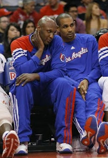 Lamar Odom falls asleep at courthouse during custody case, Odom asleep