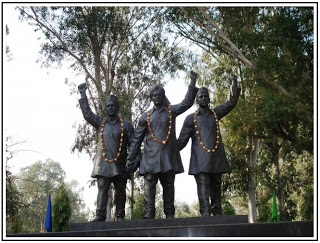 Statue of Bhagat Singh, Rajguru and Sukhdev at the India-Pakistan Border near Hussainiwala