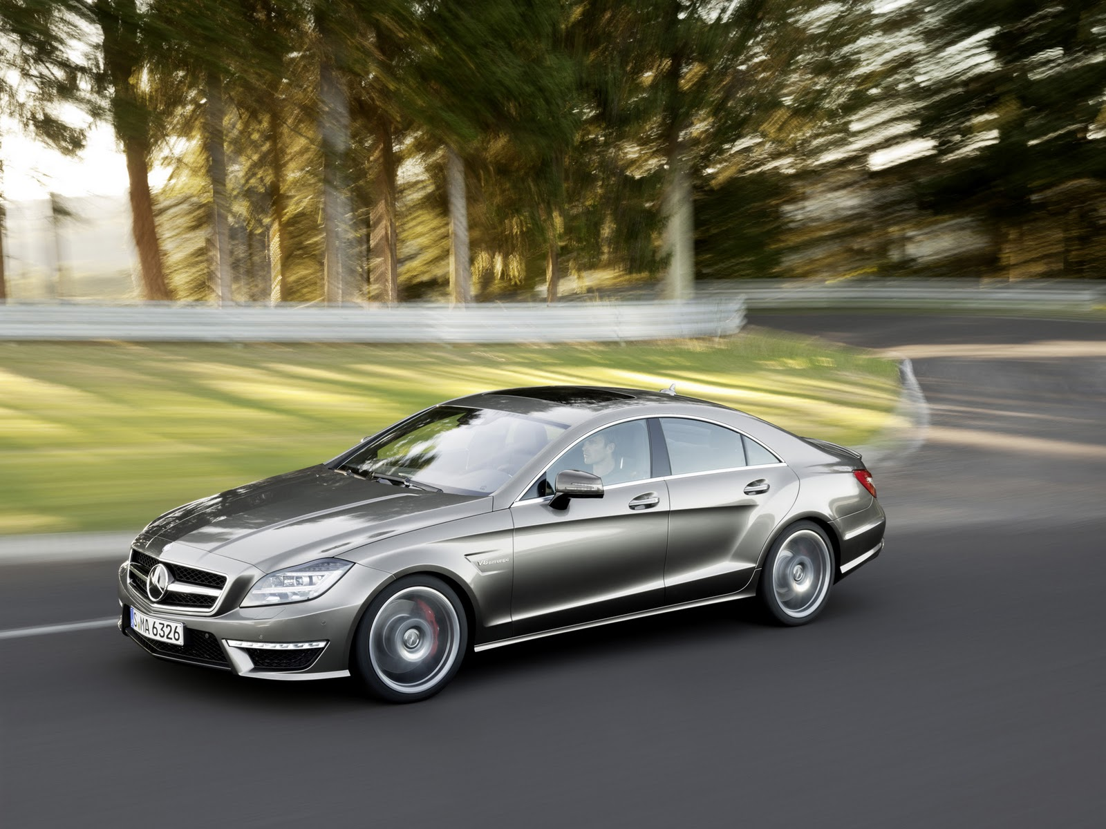 Nice cars mercedes benz cls 63 amg 2011 for Nice mercedes benz cars