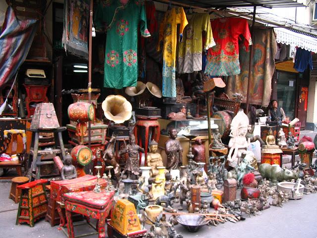 mua vé máy bay đi thượng hải - Chợ đồ cổ Dong Tai