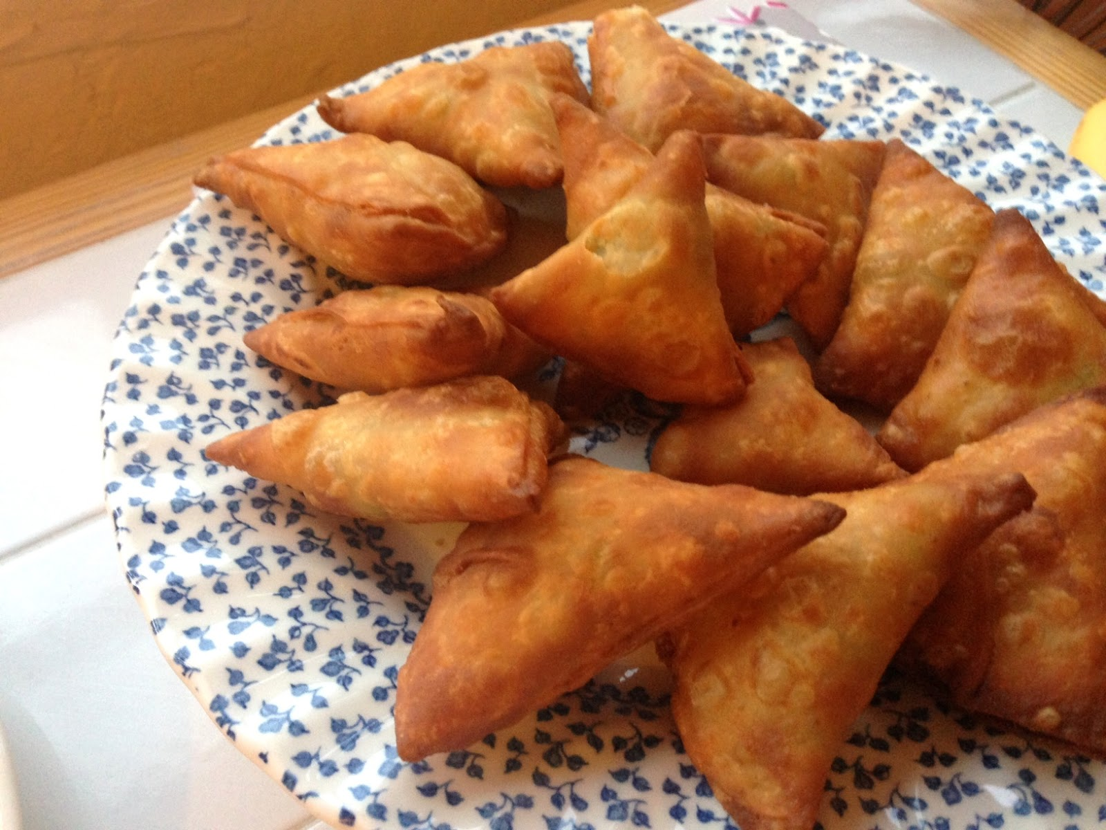Samosas from scratch food mela crispy delicately spiced samosas made from scratch read on for my recipe for authentic gujarati samosas pastry and filling forumfinder Gallery