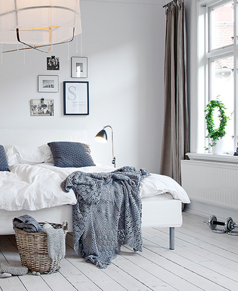 http://3.bp.blogspot.com/-5kNwEUz4Ucw/T8y_Ms1EpxI/AAAAAAAAJds/KtqklKwfVIs/s640/scandinavian-style-9-bedroom-with-grey-accents.jpg