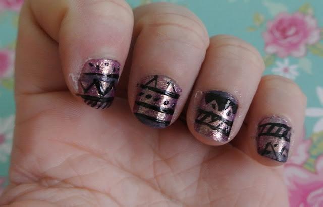 sunday nails aztec