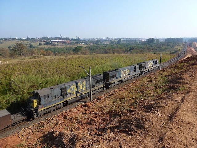 Gambar Kereta Api Lokomotif Diesel 20