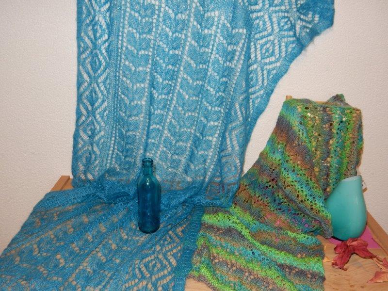 TE KOOP: grote en kleine shawls.