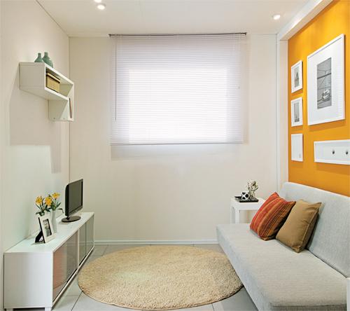 Sala De Tv E Quarto ~  de apoio à TV As peças guardam material de escritório e também
