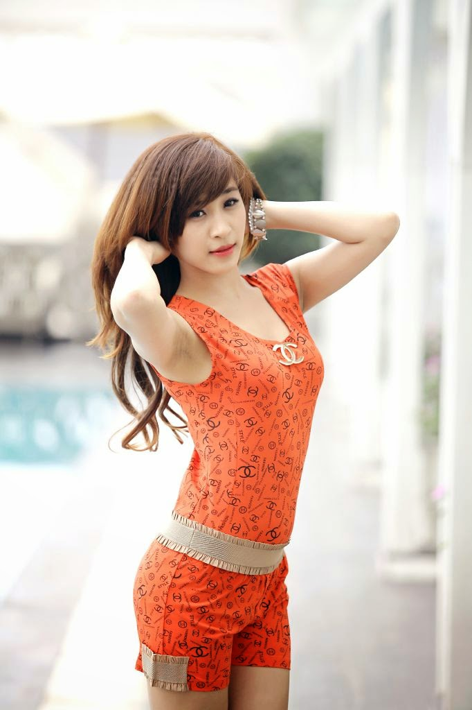 Người đẹp gợi cảm với trang phục ở nhà
