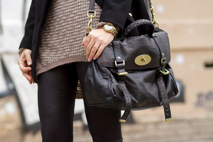 Detalles. Bolso Alexa de Mulberry en color negro