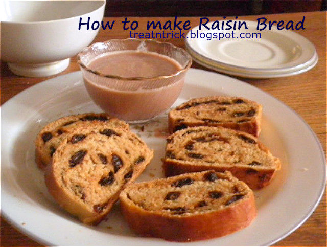 Raisin Bread Recipe @ http://treatntrick.blogspot.com