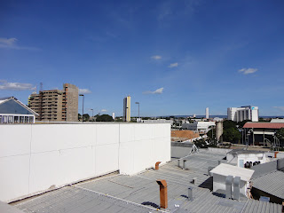 Edifícios se erguem ao céu no bairro Triângulo.