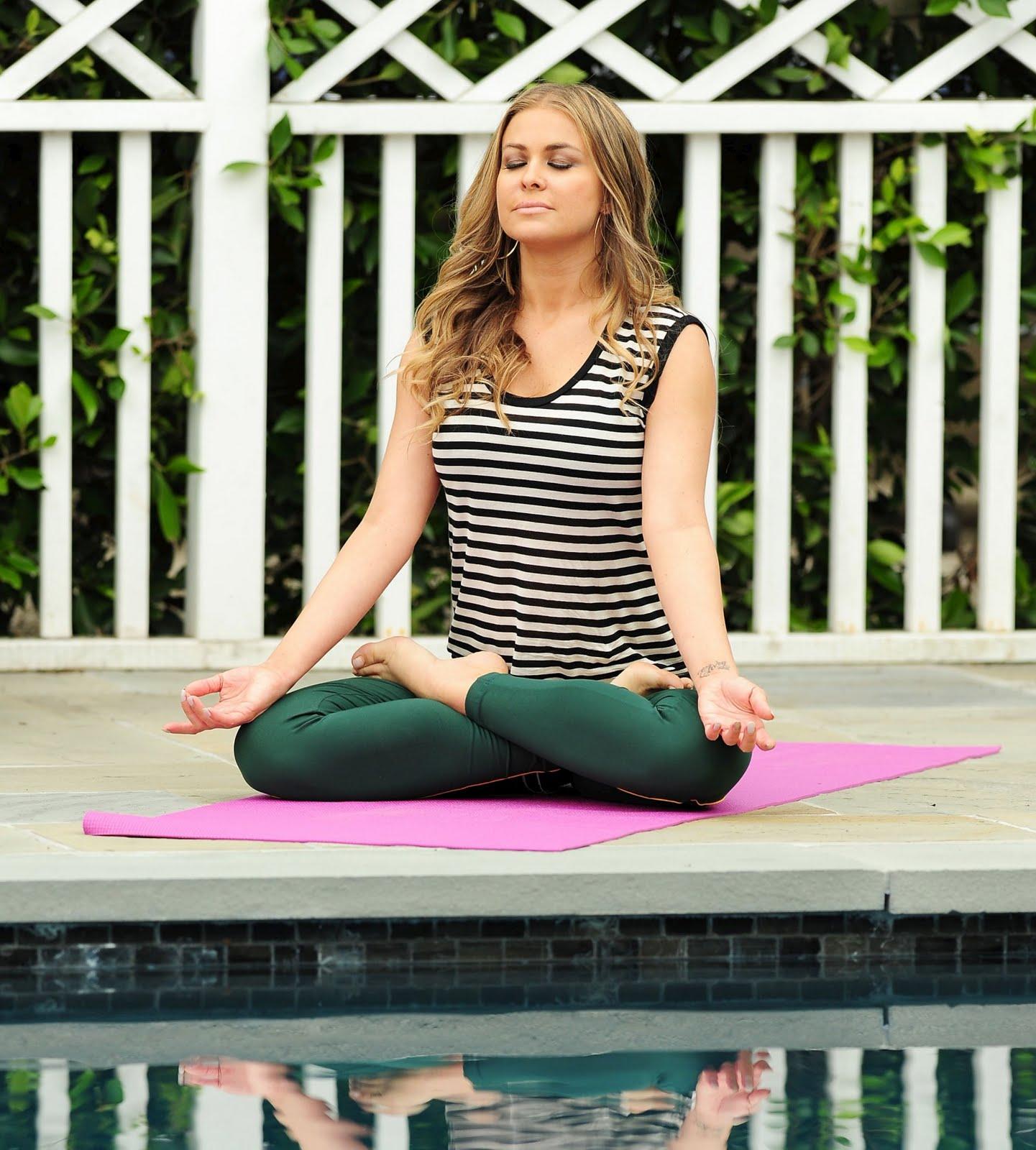 http://3.bp.blogspot.com/-5lTe-ECuOO4/TW9UWNq97sI/AAAAAAAARF8/aoOK3xrngo0/s1600/Carmen-Electra-Yoga-7.jpg