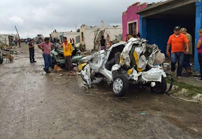 VIOLENTO TORNADO CAUSA 13 MUERTOS Y GRAVES DAÑOS MATERIALES EN MEXICO