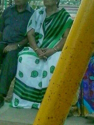 Whatsapp Saree | Whatsapp latest Saree | Creative India | Photo of woman wearing saree with WhatsApp logo printed all over it