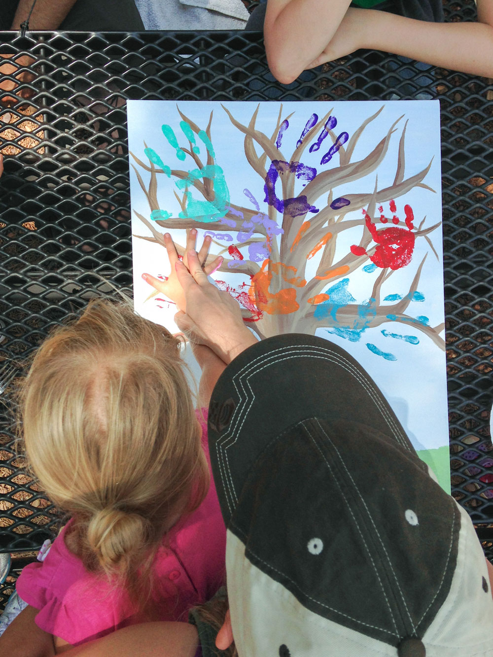 How To Make Handprint Family Trees - by Barefeet In The Kitchen