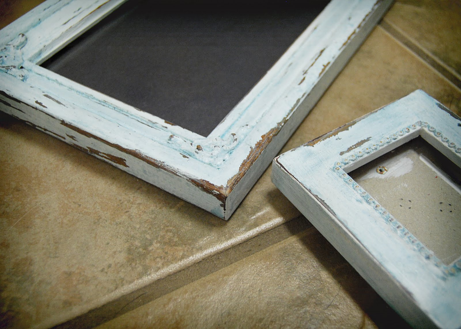 The Decorating Bug: Do-It-Yourself Wednesday: Distressing Wood