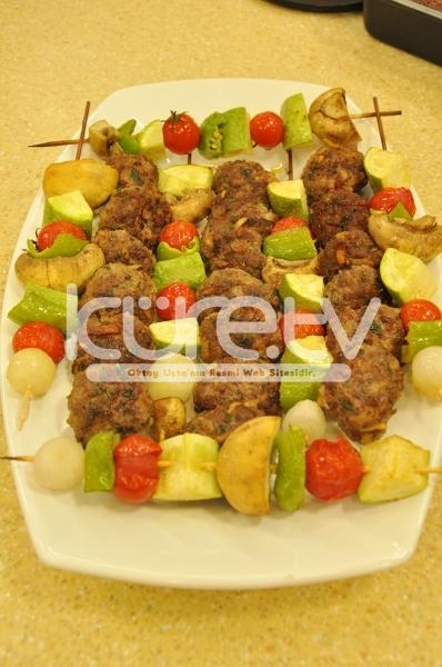 Şiş Sebzeli Patatesli Köfte Tarifi