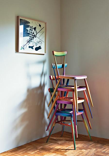 Küchenstühle im Graffiti-Farbverlauf
