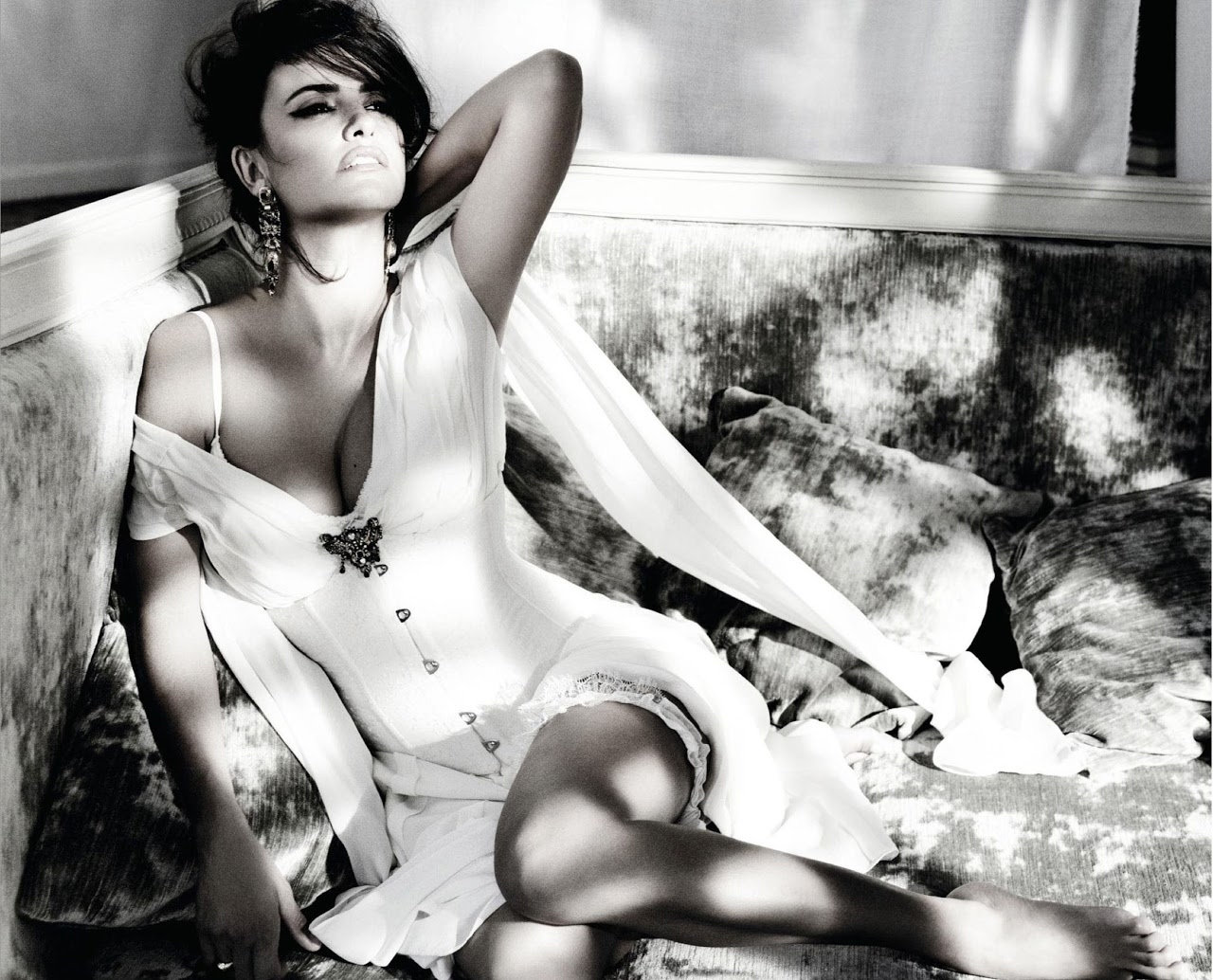 penelope cruz by tom munro