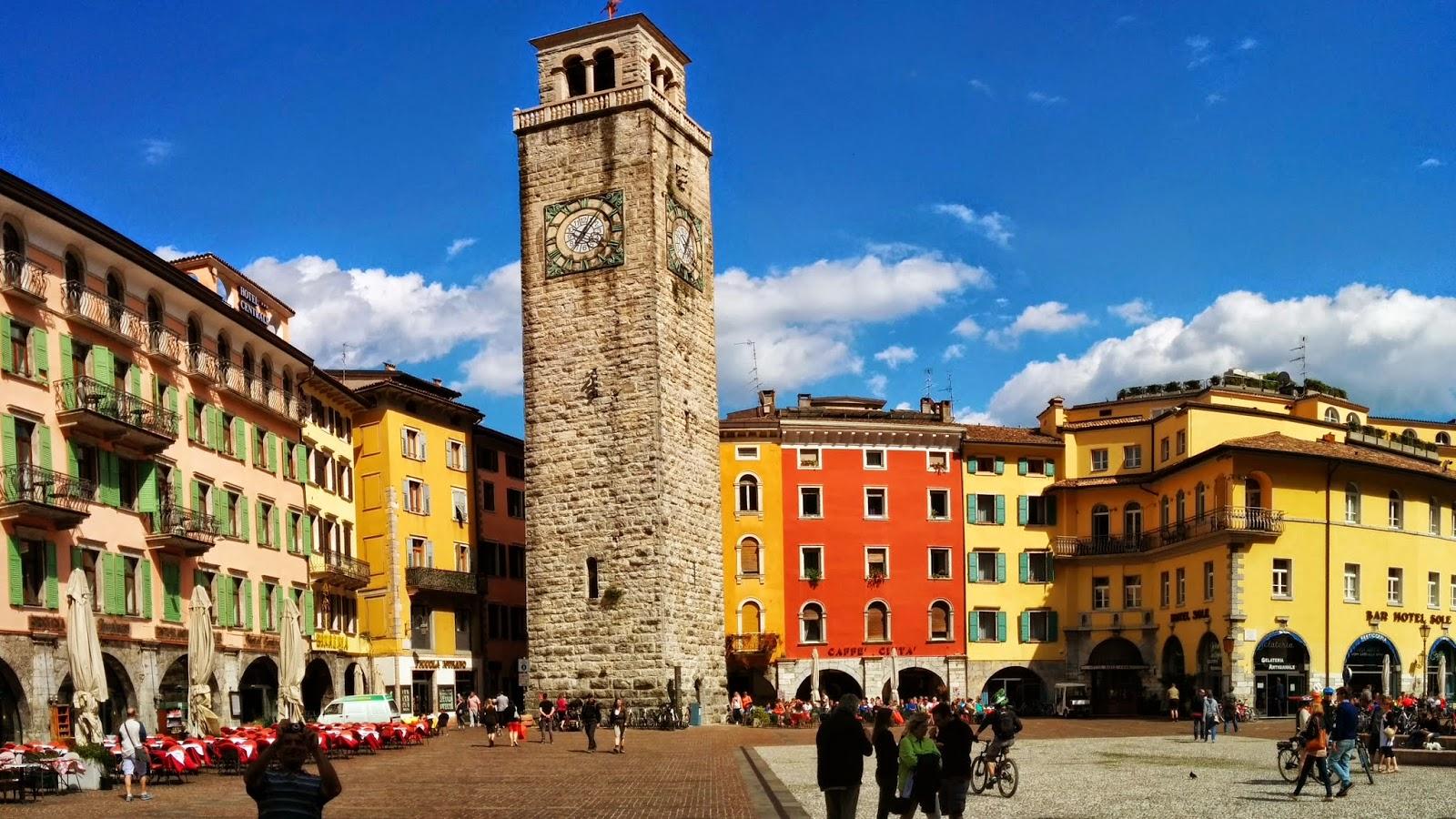 Giro del Lago di Garda e 1° Concorso d'Eleganza Lotus 10 Aprile 2016 Torre+apponale