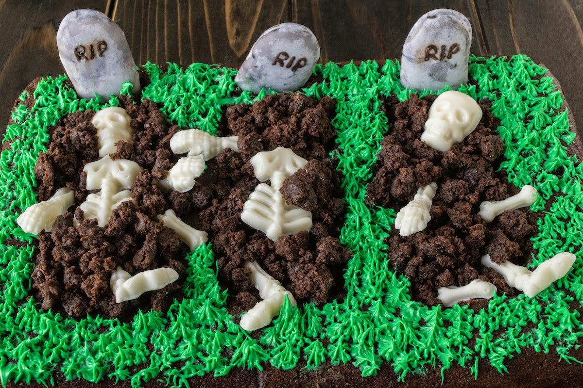 Halloween brownie graveyard