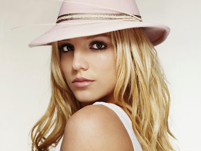 Britney Spears Desktop Wallpaper-1440x1280-01