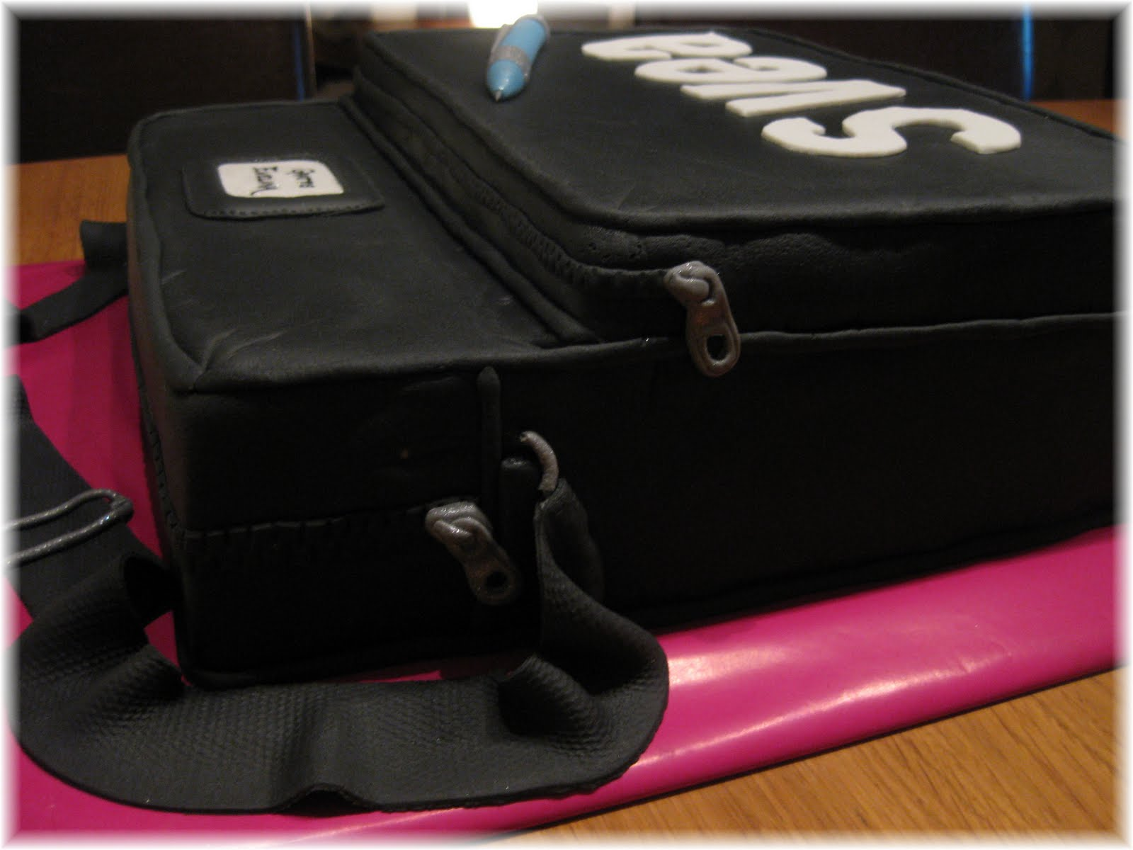 svea väska svart