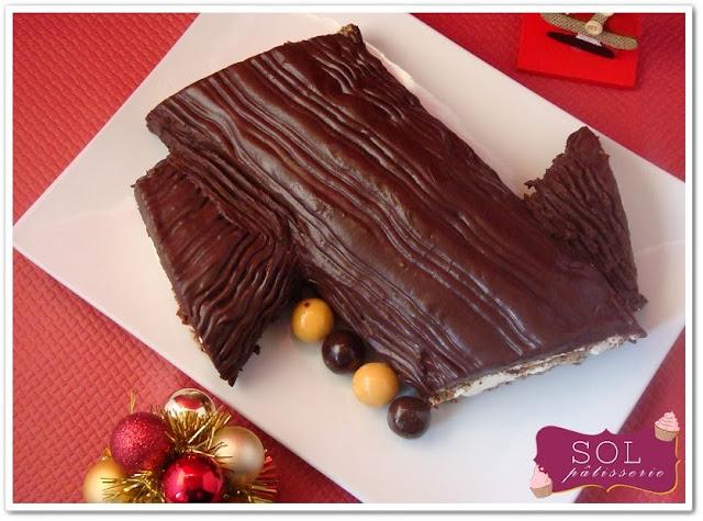 Bûche de Noël au chocolat rappé et crème à la vanille - Tronco de Natal de chocolate ralado com creme de baunilha