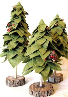 árvore de natal diferente feita com feltro