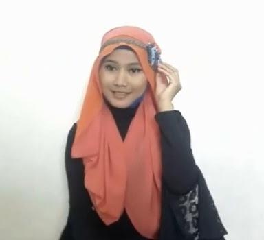 Tutorial hijab Untuk Wanita Hanya Dengan Seutas Tali Part 8